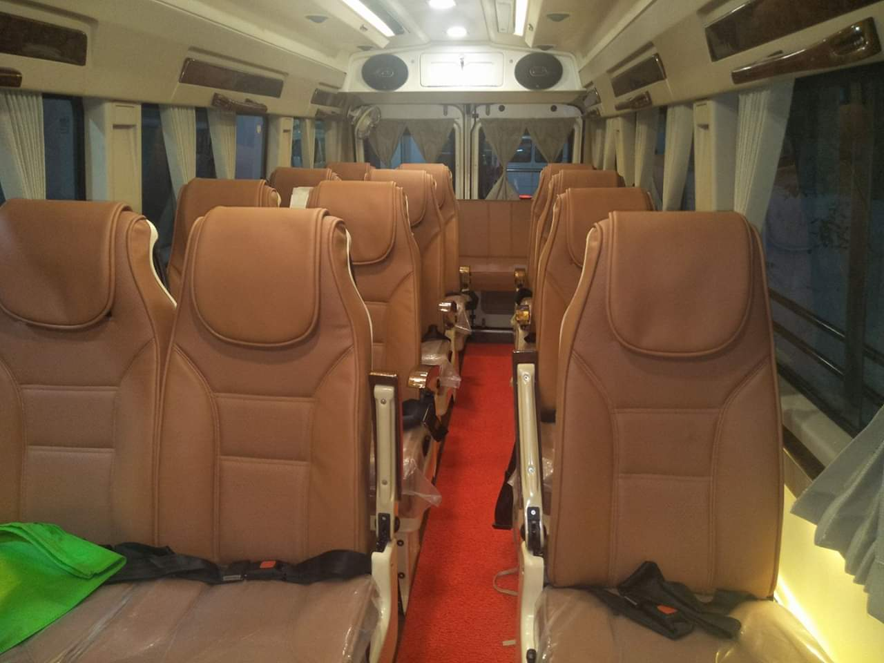 Tempo Traveller Rental Service Provider in delhi